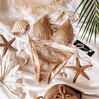 Bikini na plażę to klasyka! I wie o tym dobrze @luznestyle 😍 Sally Glamour to biustonosz z miękką wkładką wiązany na placach i szyi oraz seksowne figi wiązane na biodrach cienkimi troczkami ✨ Jak Wam się podoba?   #gabbiano #gabbianopl  #swimwear #readyforsummer #swimwearcollection #newcollection #polskamarka #summerready #summerlook #beachlook #bikini