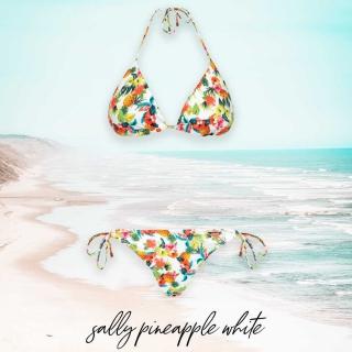 🍍 Sally Pineapple 🍍  Patrząc na to bikini nie trudno odgadnąć jego nazwę 💁🏻♀️ Zabierz ten smakowity wzór ze sobą na wakacje 😋 Daj znać w komentarzu jakie inne owoce chciałabyś zobaczyć na naszych kostiumach 😍  #gabbiano #gabbianopl   #summer #bikini #beachvibes #swimwear