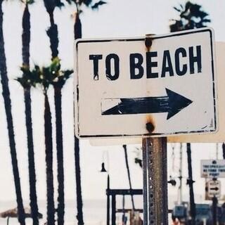 Koniec sierpnia nie musi oznaczać końca wakacji 🤪 Dajcie znać w komentarzu czy macie jeszcze jakieś wyjazdowe plany na kolejne dni 🌏  #gabbiano #gabbianopl   #pinterest #inspiration #beach #summervibes #lato